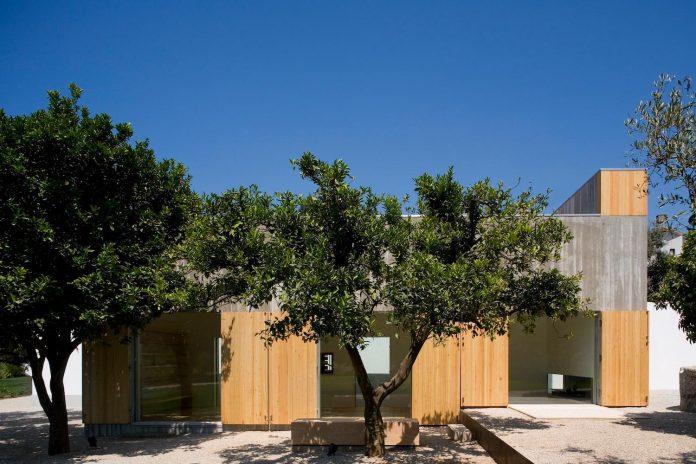 one-story-renovation-house-chamusca-da-beira-joao-mendes-ribeiro-03