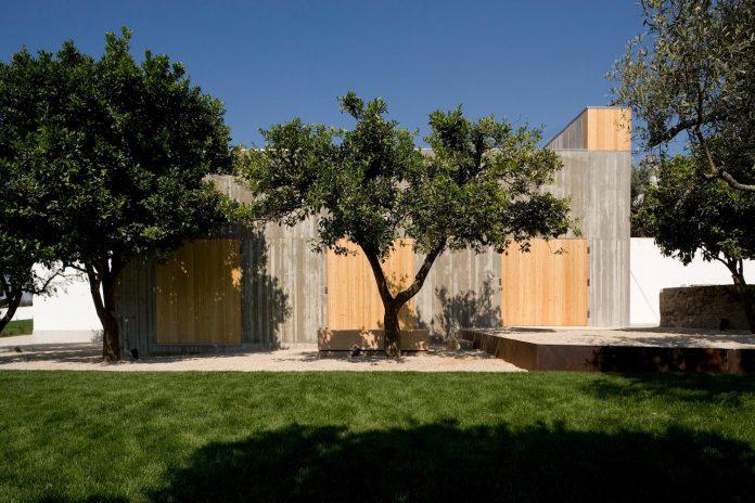 one-story-renovation-house-chamusca-da-beira-joao-mendes-ribeiro-04