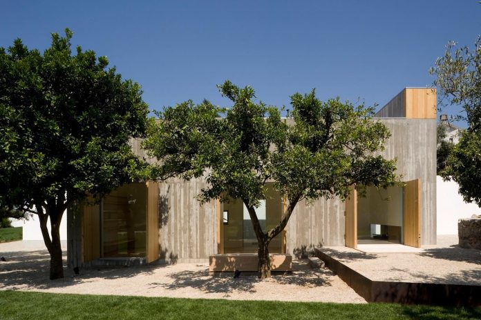 one-story-renovation-house-chamusca-da-beira-joao-mendes-ribeiro-05