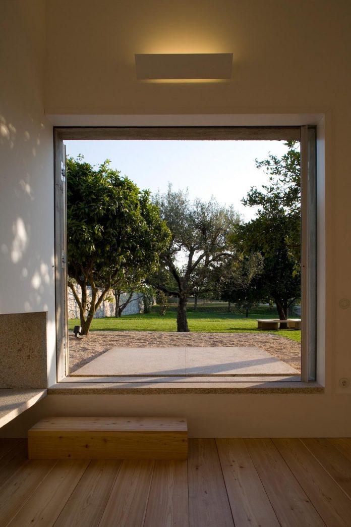 one-story-renovation-house-chamusca-da-beira-joao-mendes-ribeiro-19