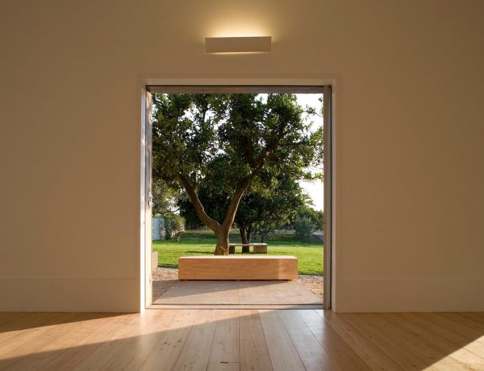 one-story-renovation-house-chamusca-da-beira-joao-mendes-ribeiro-20