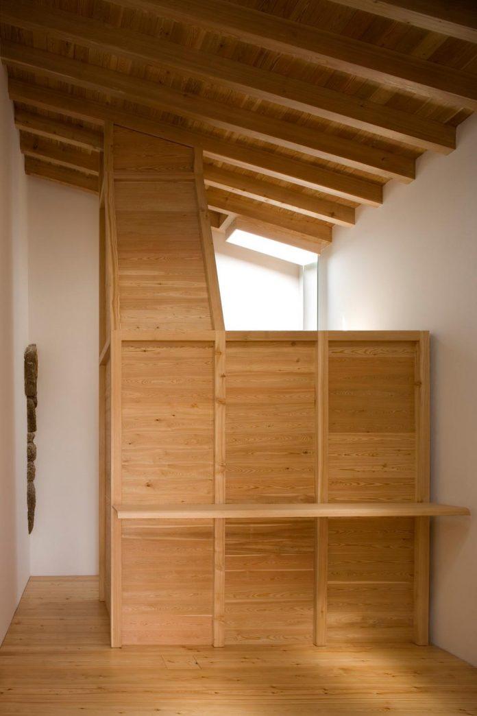 one-story-renovation-house-chamusca-da-beira-joao-mendes-ribeiro-26