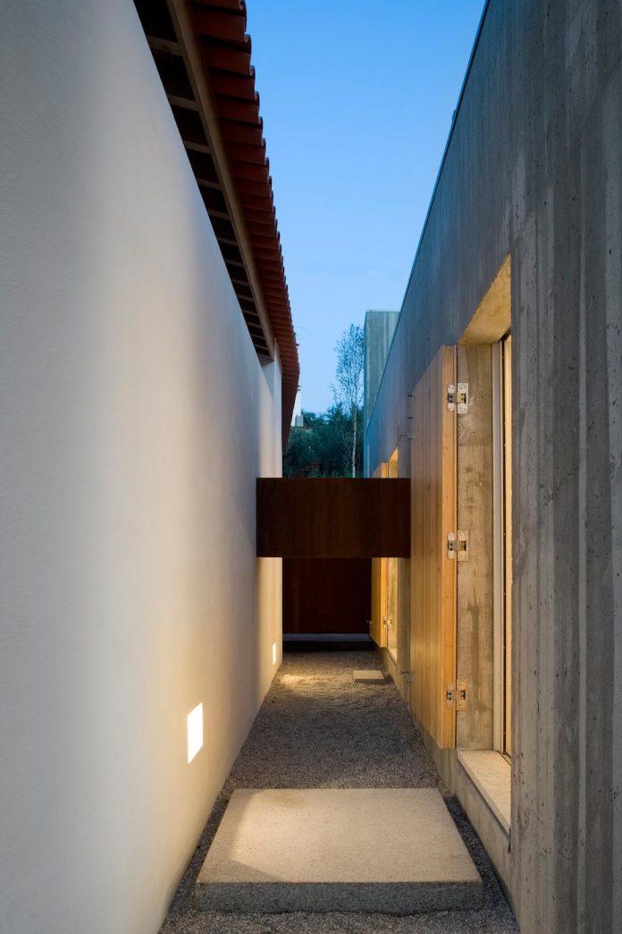 one-story-renovation-house-chamusca-da-beira-joao-mendes-ribeiro-29