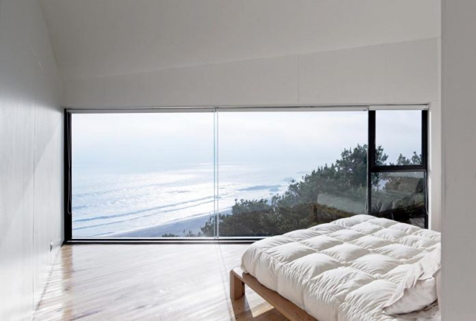 panorama-wmr-designed-d-house-two-storey-house-situated-top-cliff-panoramic-sea-views-11