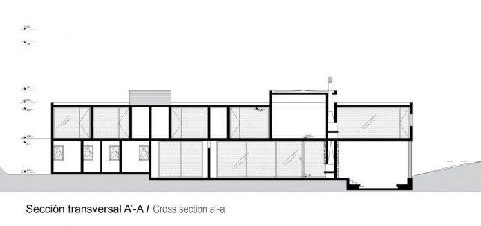 paravicini-beach-house-set-steeply-hillside-cristian-hrdalo-19