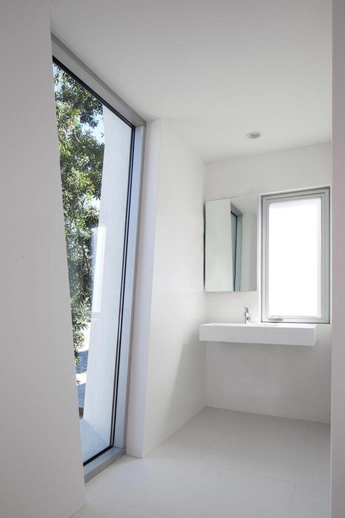patrick-tighe-architecture-design-garrison-residence-open-floor-plan-views-surrounding-mountains-ocean-09