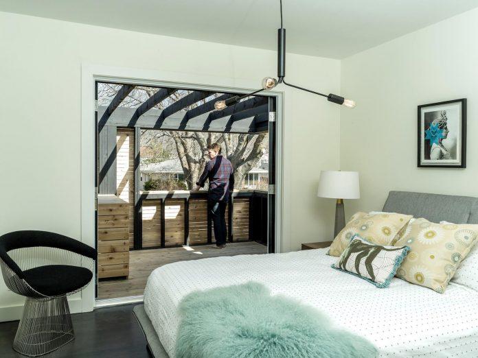 peter-braithwaite-studio-design-restore-old-bungalow-contemporary-south-end-residence-15