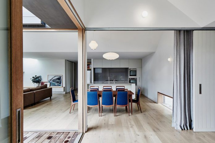 renovation-1930s-brick-rear-1970s-addition-home-contemporary-hoddle-house-freedman-white-06
