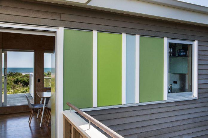 renovation-field-way-bach-house-waikanae-new-zealand-designed-parsonson-architects-06