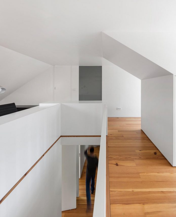 restelo-house-rear-made-series-windows-shutters-resembling-pattern-traditional-portuguese-tiles-joao-tiago-aguiar-13