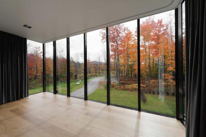 rosenberry-residence-family-cottage-located-large-wooded-lot-les-architectes-fabg-13