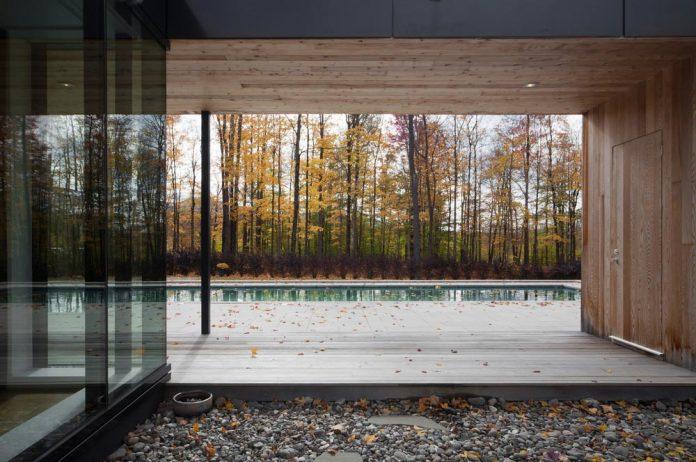 rosenberry-residence-family-cottage-located-large-wooded-lot-les-architectes-fabg-16