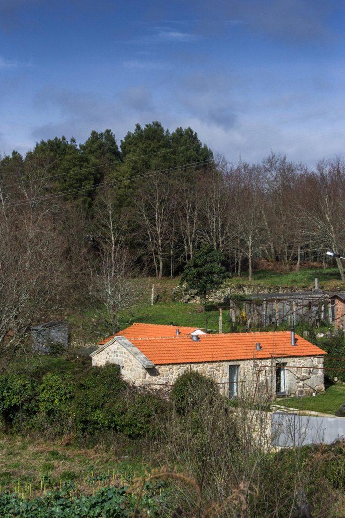 rural-tourism-paredes-de-coura-renovation-17th-century-farmhouse-escritorio-de-arquitetos-02