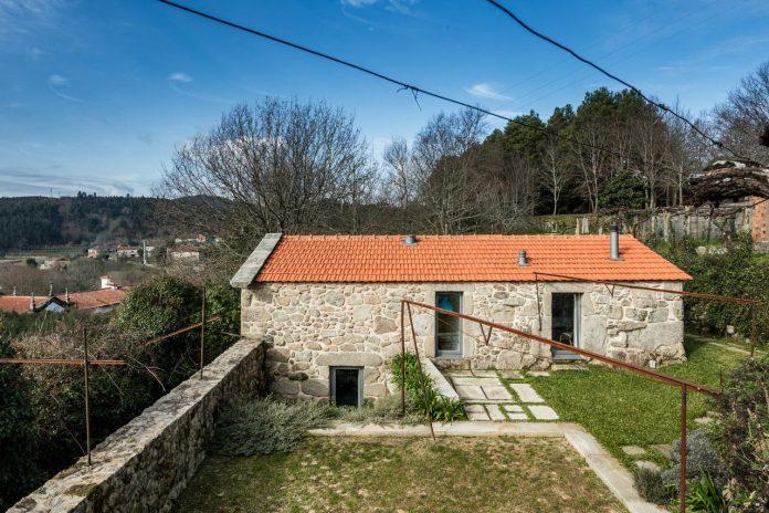 rural-tourism-paredes-de-coura-renovation-17th-century-farmhouse-escritorio-de-arquitetos-04
