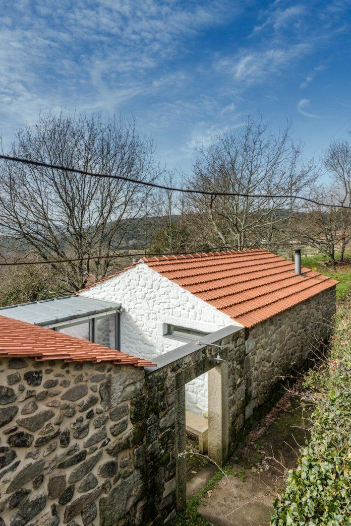 rural-tourism-paredes-de-coura-renovation-17th-century-farmhouse-escritorio-de-arquitetos-05