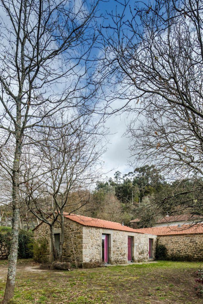 rural-tourism-paredes-de-coura-renovation-17th-century-farmhouse-escritorio-de-arquitetos-07
