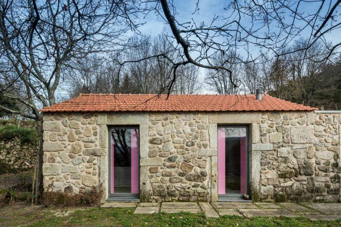 rural-tourism-paredes-de-coura-renovation-17th-century-farmhouse-escritorio-de-arquitetos-08