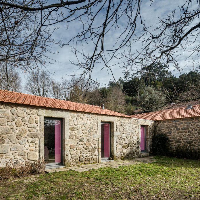 rural-tourism-paredes-de-coura-renovation-17th-century-farmhouse-escritorio-de-arquitetos-09