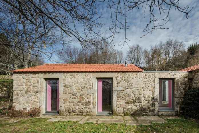 rural-tourism-paredes-de-coura-renovation-17th-century-farmhouse-escritorio-de-arquitetos-13