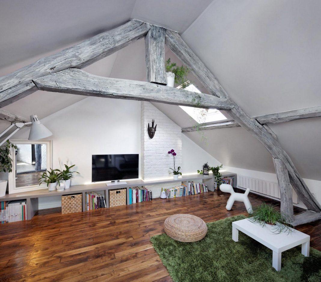 rustic contemporoary living under the roof loft in ivry sur seine paris designed by prisca. Black Bedroom Furniture Sets. Home Design Ideas