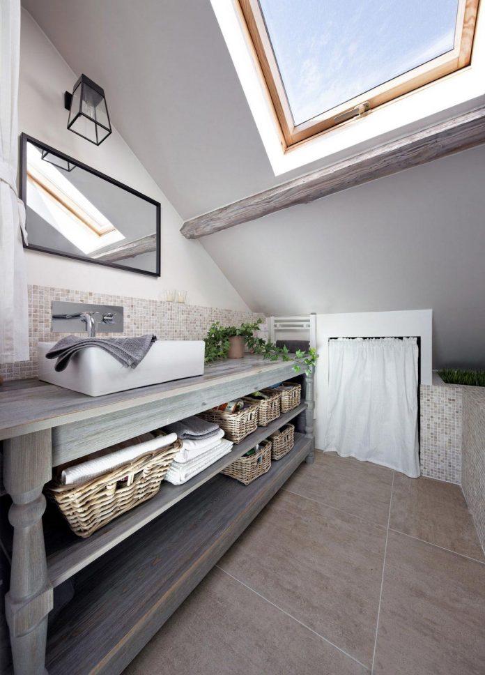 rustic-contemporary-living-roof-loft-ivry-sur-seine-paris-designed-prisca-pellerin-13