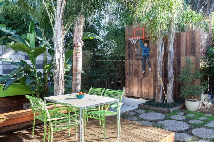 sacramento-modern-home-oasis-city-inner-focussed-courtyard-garden-home-designed-serrao-architecture-design-06