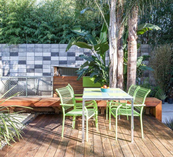 sacramento-modern-home-oasis-city-inner-focussed-courtyard-garden-home-designed-serrao-architecture-design-08