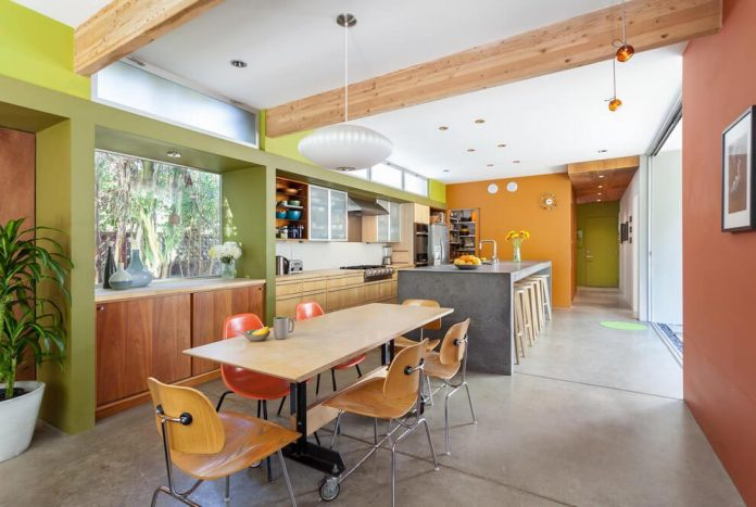 sacramento-modern-home-oasis-city-inner-focussed-courtyard-garden-home-designed-serrao-architecture-design-11