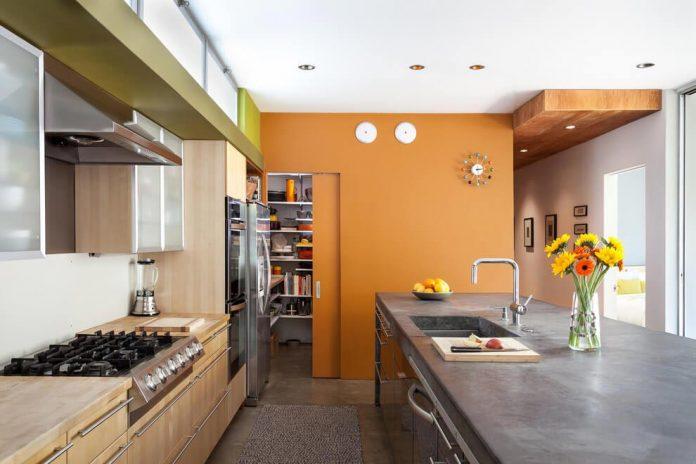sacramento-modern-home-oasis-city-inner-focussed-courtyard-garden-home-designed-serrao-architecture-design-13