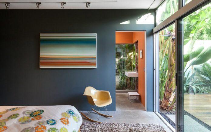sacramento-modern-home-oasis-city-inner-focussed-courtyard-garden-home-designed-serrao-architecture-design-14
