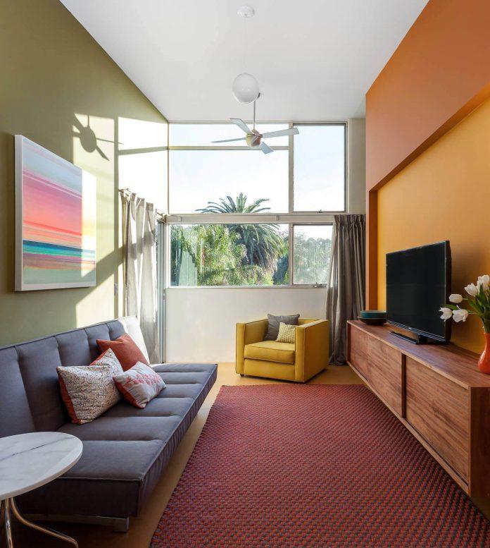 sacramento-modern-home-oasis-city-inner-focussed-courtyard-garden-home-designed-serrao-architecture-design-19