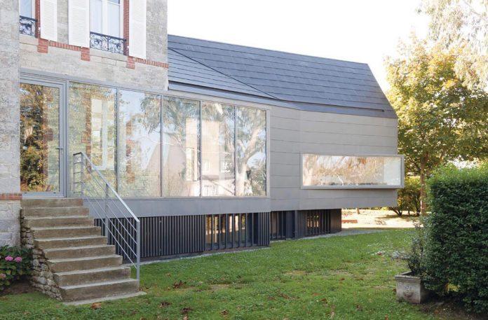 saint-cast-house-located-saint-cast-le-guildo-france-designed-feld-architecture-03