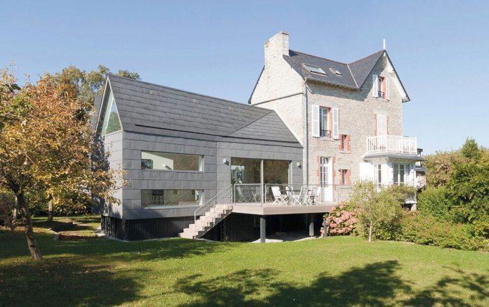 saint-cast-house-located-saint-cast-le-guildo-france-designed-feld-architecture-04