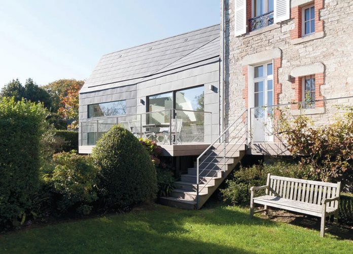 saint-cast-house-located-saint-cast-le-guildo-france-designed-feld-architecture-05