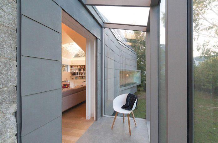 saint-cast-house-located-saint-cast-le-guildo-france-designed-feld-architecture-06