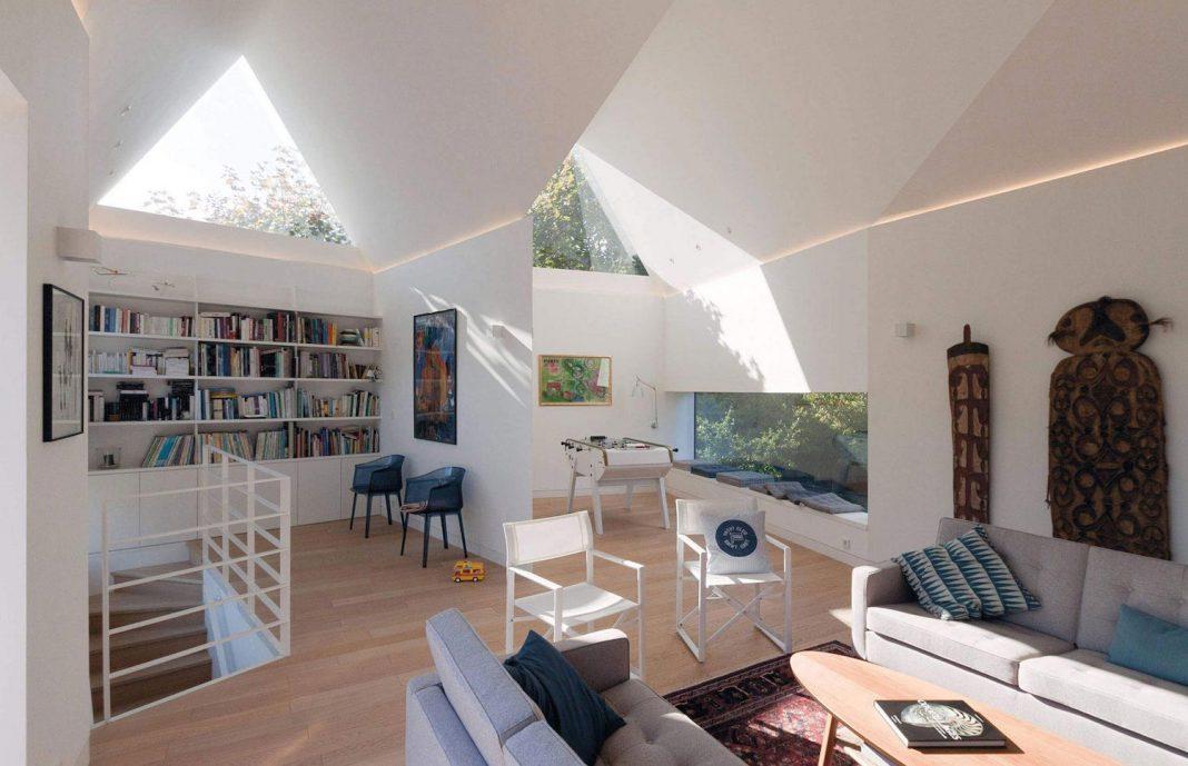 saint cast house located in saint cast le guildo france designed by feld architecture. Black Bedroom Furniture Sets. Home Design Ideas