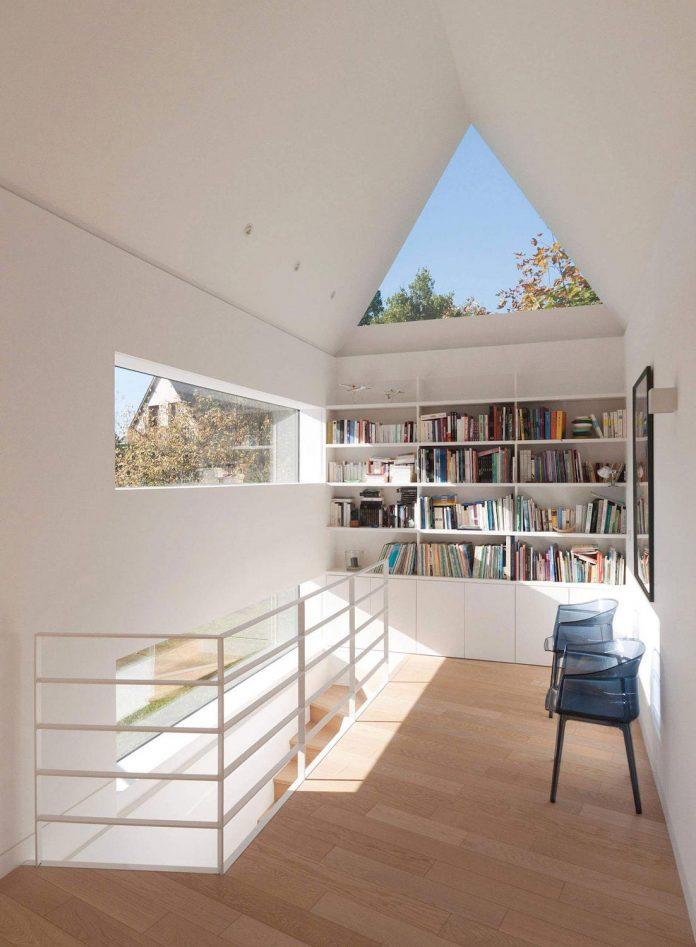 saint-cast-house-located-saint-cast-le-guildo-france-designed-feld-architecture-13