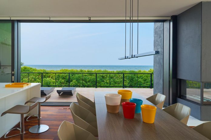 sea-del-house-oceanfront-deck-bethany-beach-designed-robert-m-gurney-07