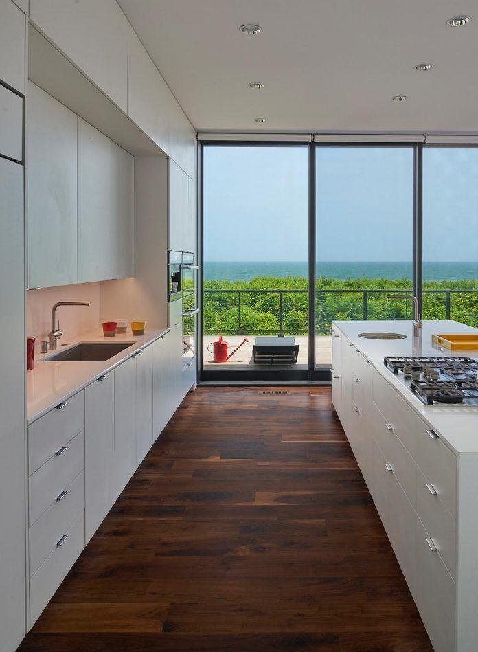 sea-del-house-oceanfront-deck-bethany-beach-designed-robert-m-gurney-09