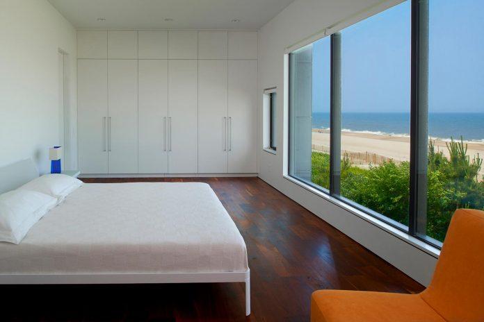 sea-del-house-oceanfront-deck-bethany-beach-designed-robert-m-gurney-12