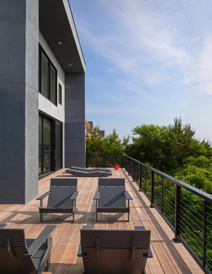 sea-del-house-oceanfront-deck-bethany-beach-designed-robert-m-gurney-16