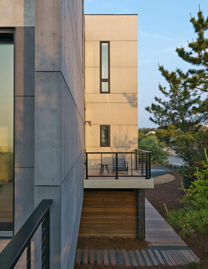 sea-del-house-oceanfront-deck-bethany-beach-designed-robert-m-gurney-17