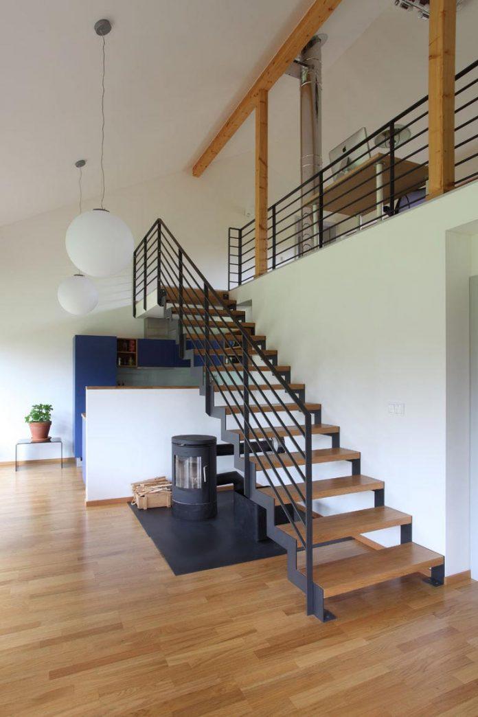 single-family-wooden-home-ladvi-prodesi-10