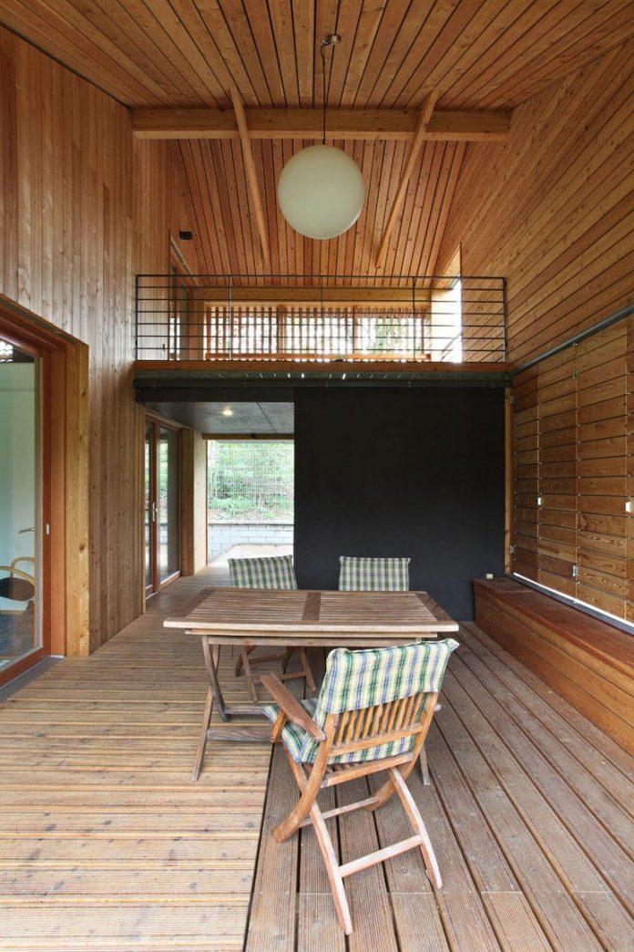 single-family-wooden-home-ladvi-prodesi-11