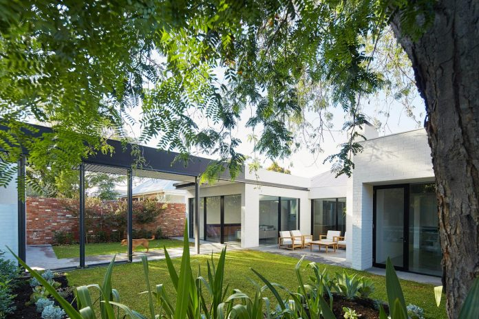 single-level-claremont-residence-david-barr-architect-01