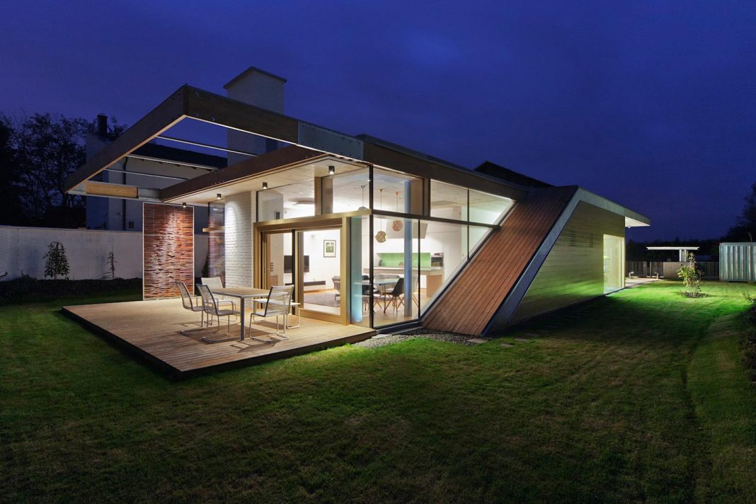 TD House in Debrecen, Hungary by sporaarchitects