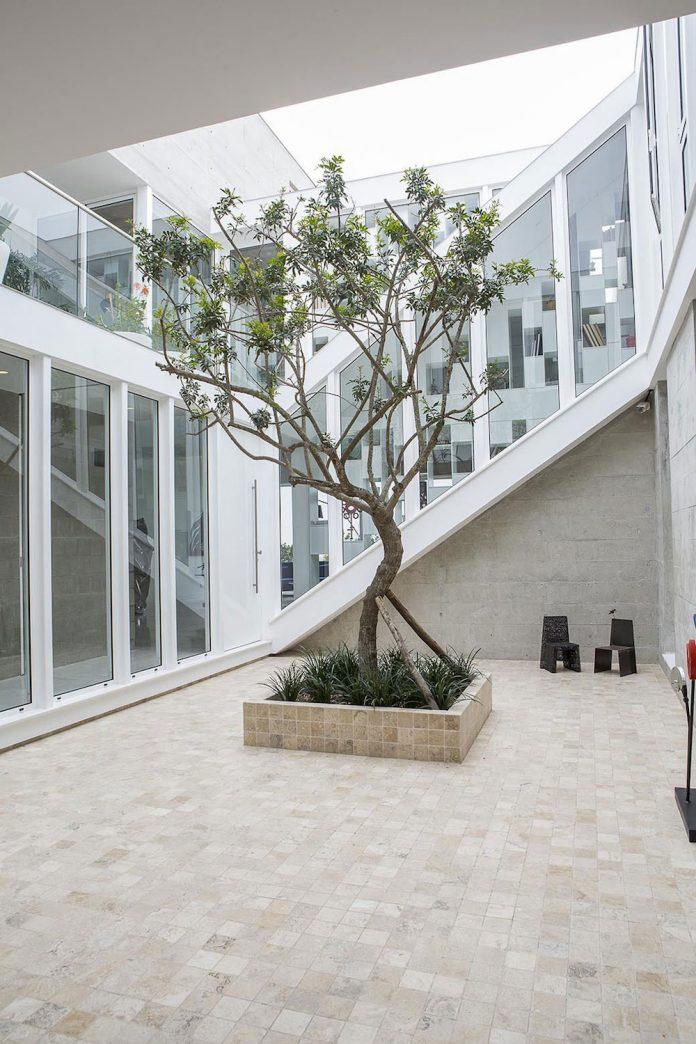 three-levels-band-house-san-isidro-lima-designed-cynthia-seinfield-03