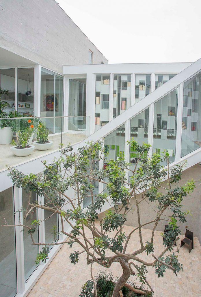 three-levels-band-house-san-isidro-lima-designed-cynthia-seinfield-04