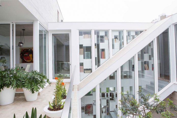 three-levels-band-house-san-isidro-lima-designed-cynthia-seinfield-05