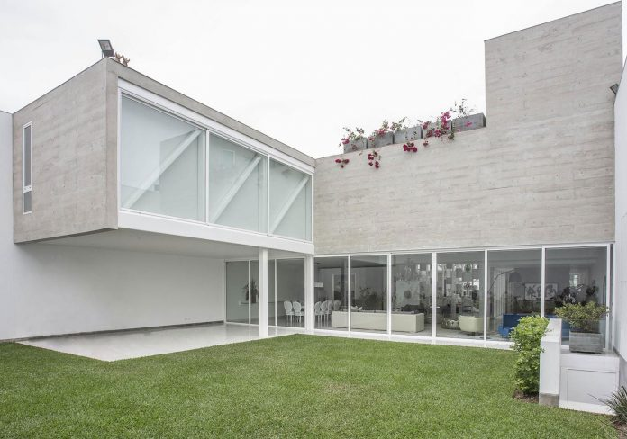 three-levels-band-house-san-isidro-lima-designed-cynthia-seinfield-08